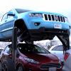 Hydraulic-Powered Hum Rider Jeep Grand Cherokee Travels Over Traffic