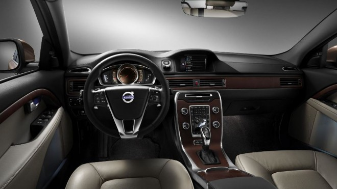 reviews car volvo image review large autotrader featured new