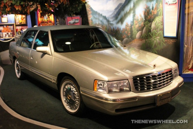Hollywood Star Cars Museum Gatlinburg Attraction review information