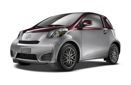 Scion iQ Interactive Brochure