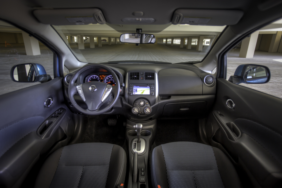 2014 nissan versa a study in modesty the news wheel. Black Bedroom Furniture Sets. Home Design Ideas