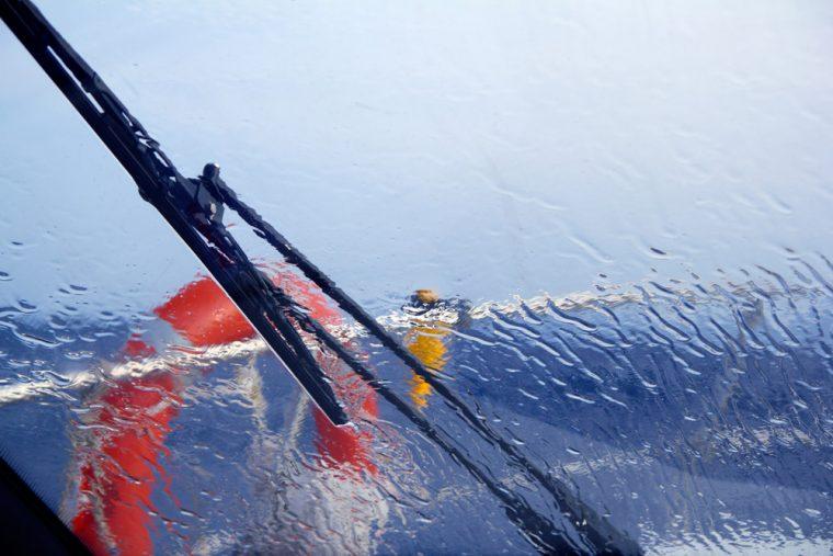 How to Change Windshield Wiper Blades