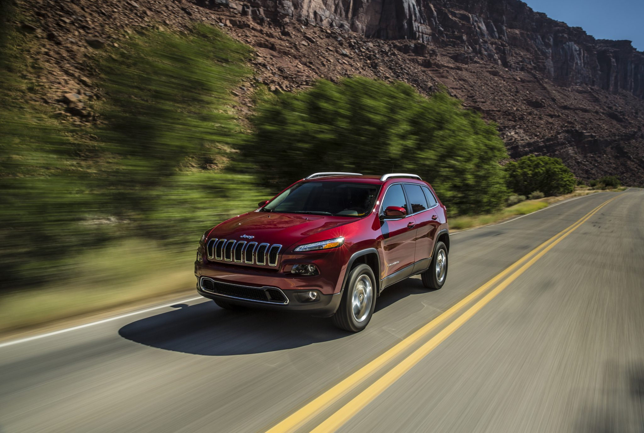 Cherokee 2014 Limited >> 2014 Jeep Cherokee Ad Capitalizes on What It Does Best: Storytelling