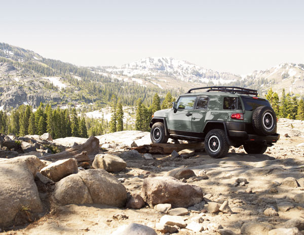 2014 Toyota FJ Cruiser - The News Wheel