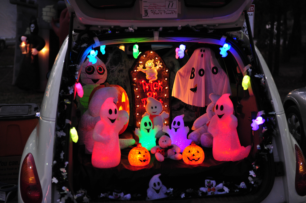 trunk or treat decoration ideas