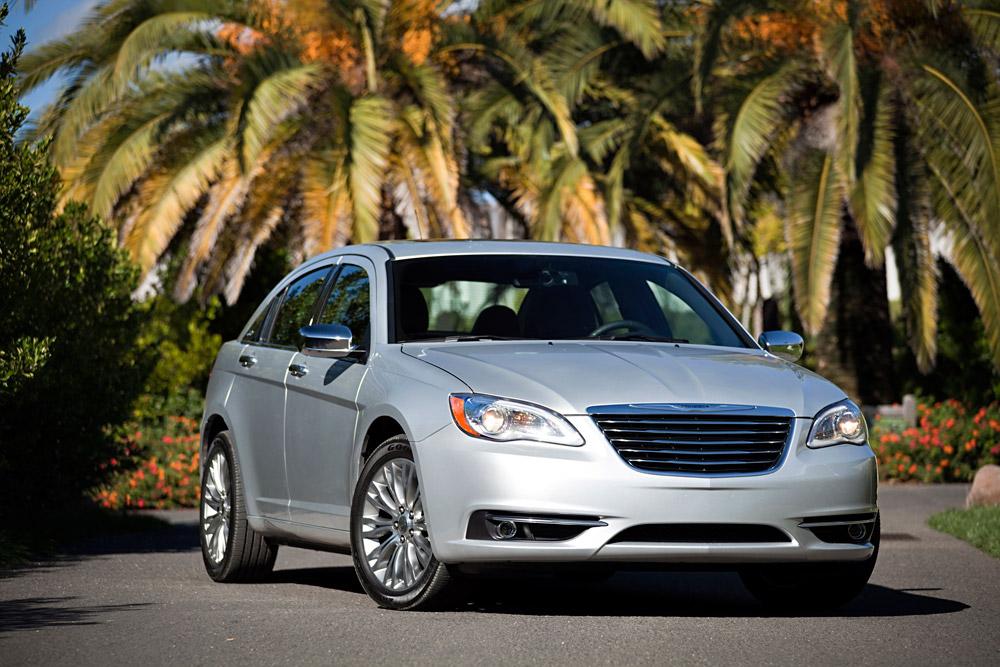 Chrysler Sedans Named 2014 IIHS Top Safety Picks