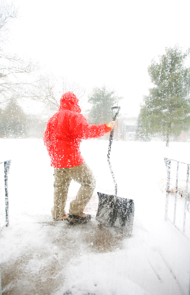 Stay Safe with these Snow Shoveling Tips