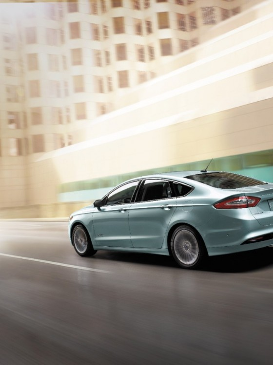2014 ford fusion hybrid overview the news wheel. Black Bedroom Furniture Sets. Home Design Ideas