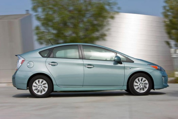 2015 Toyota Prius Plug-In Overview