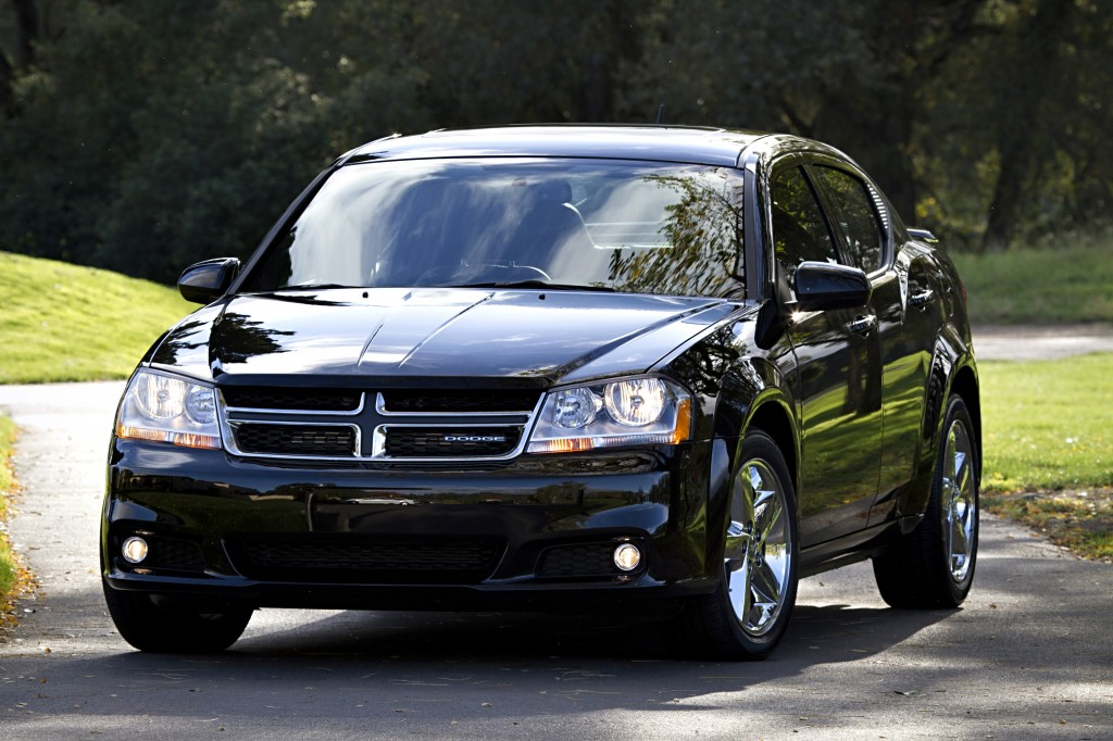 2013 Dodge Avenger Overview