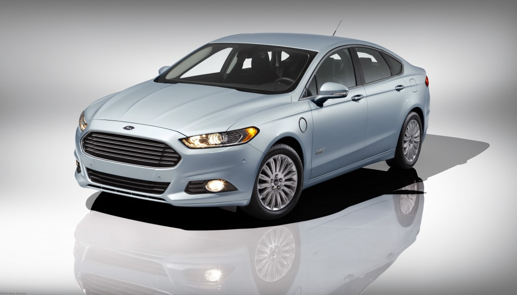 2013 Ford Fusion Energi overview