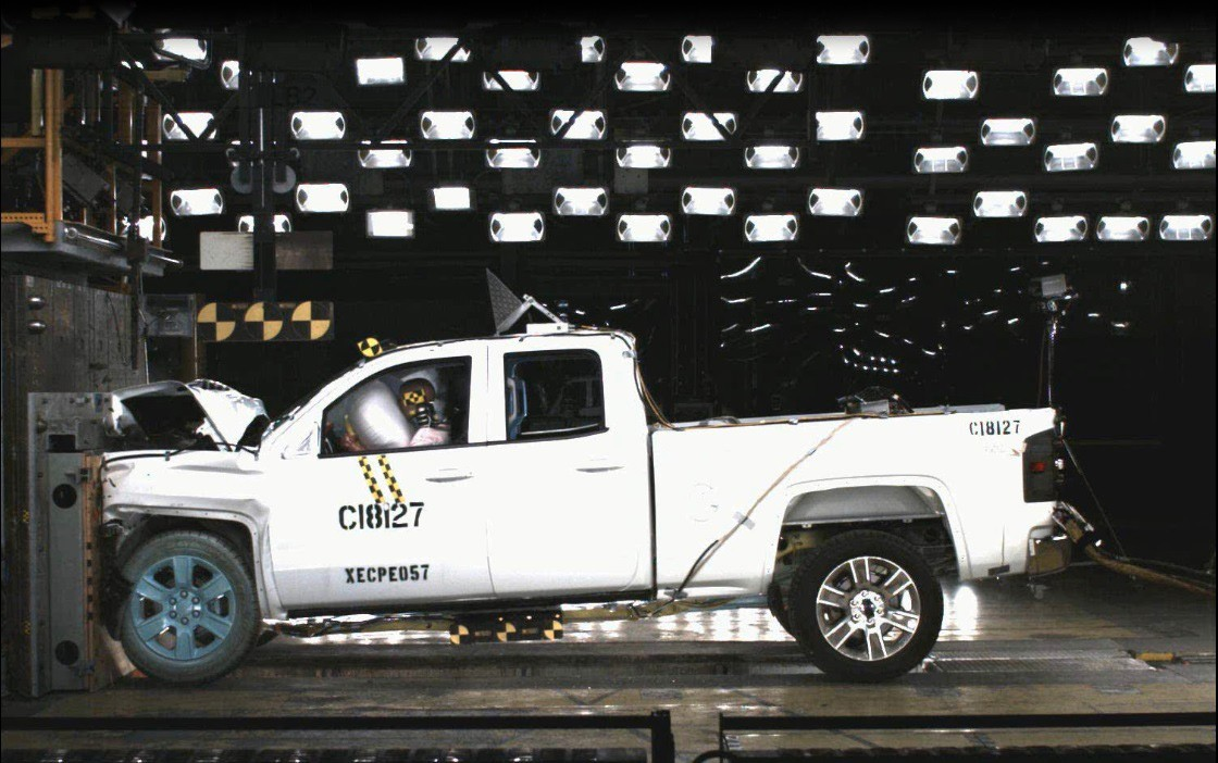 2014 Chevy Silverado 1500 and GMC Sierra 1500 Are 5-star Safety