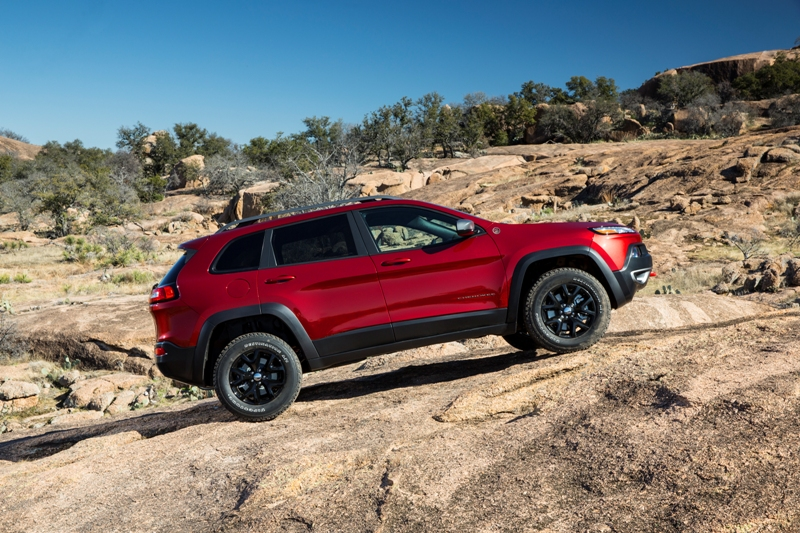 2014 jeep cherokee review the news wheel. Cars Review. Best American Auto & Cars Review
