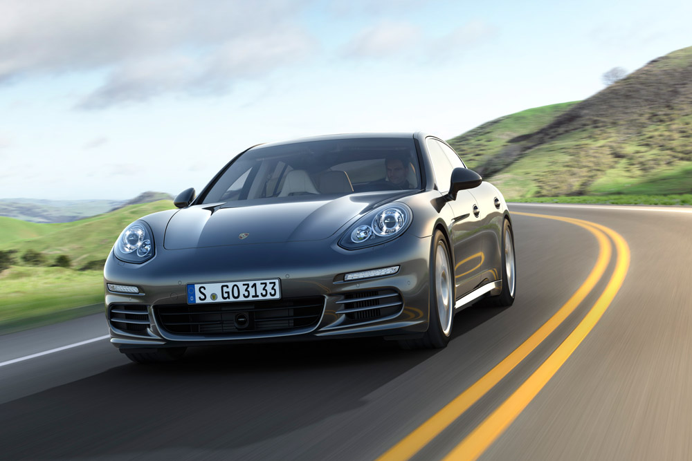 2014 Porsche Panamera Overview