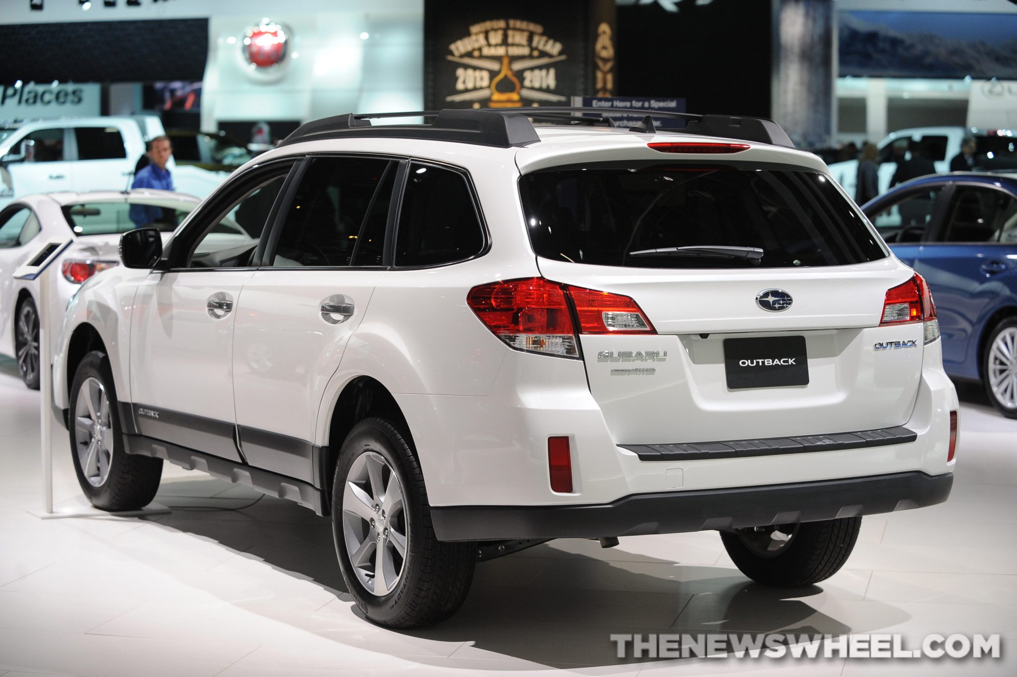 Subaru Introduces 2014 Subaru Forester XV Crosstrek Hybrid