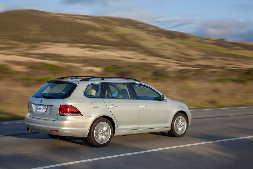 2014 Volkswagen Jetta SportWagen TDI Overview - The News Wheel