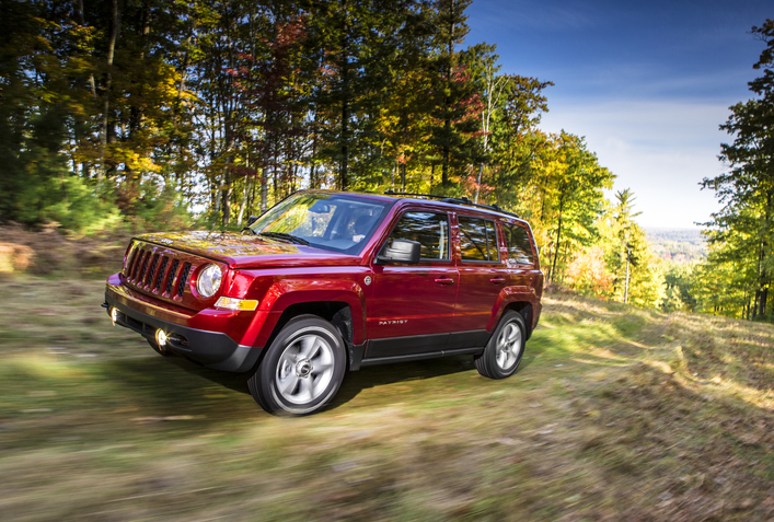 2014 Jeep Patriot and 2014 Dodge Grand Caravan Win KBB Awards | The News Wheel