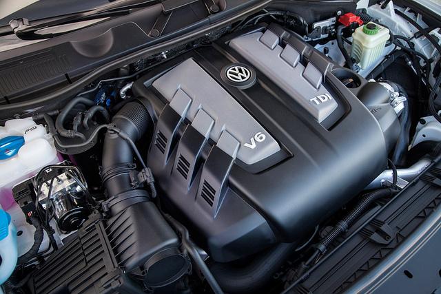 2014 Volkswagen Touareg Overview