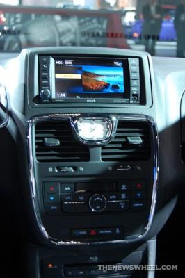 Chrysler Town & Country NAIAS