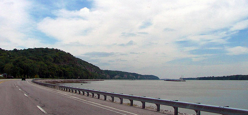 Best Road Trip Drives: Great River Road