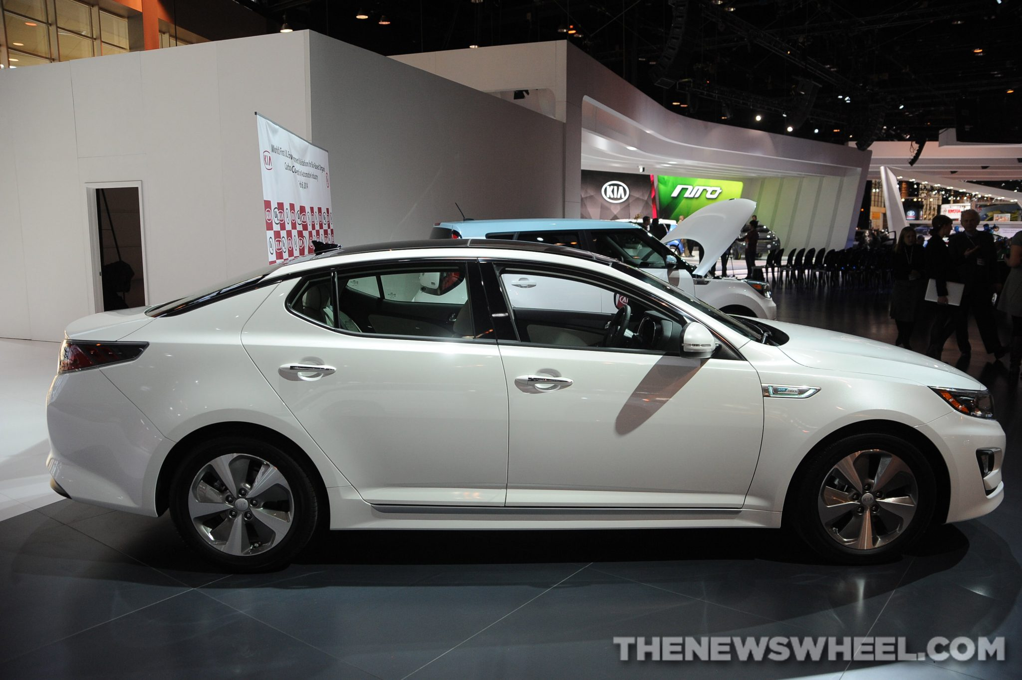 2014 kia optima hybrid overview the news wheel. Black Bedroom Furniture Sets. Home Design Ideas
