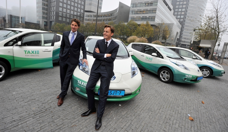 Taxi Electric and Nissan