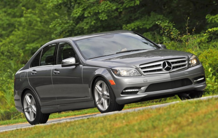 Mercedes benz recall affects 252 867 models the news wheel for Recall on mercedes benz c300