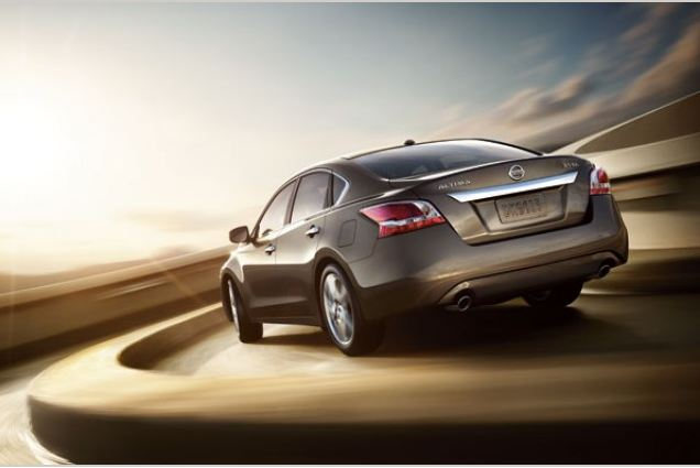 2013 Nissan Altima Overview