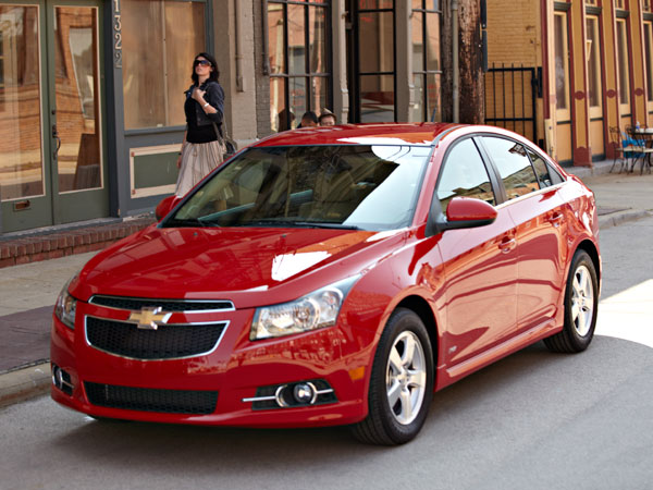 2013 Chevy Cruze Overview