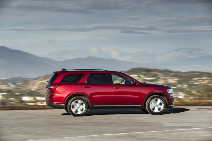 Chrysler Group Vehicles earn Edmunds awards - Durango