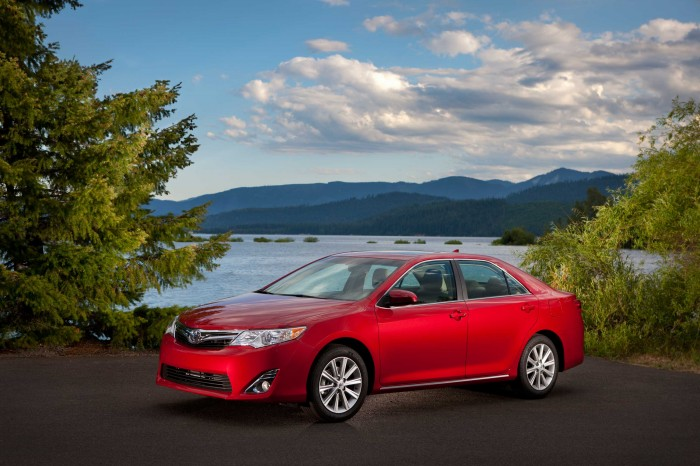 2013 Toyota Camry Overview