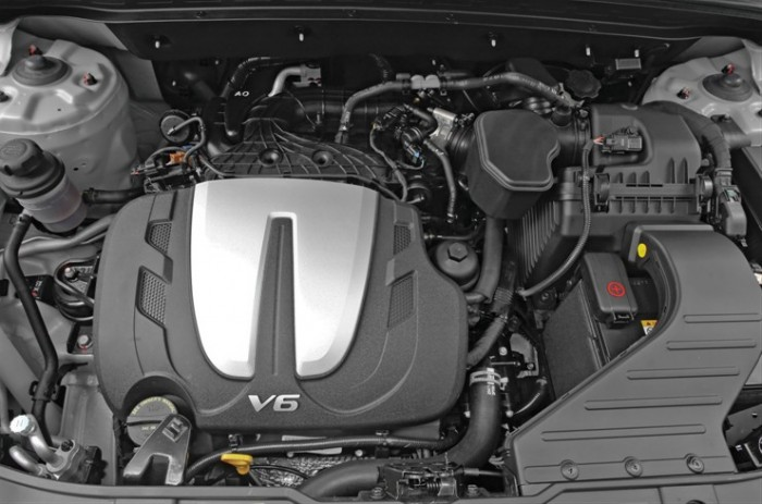 2014 Kia Sorento Overview engine