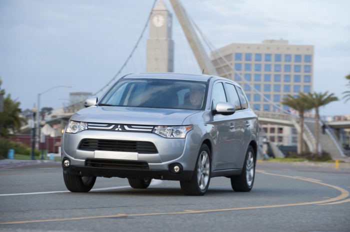 facelifted 2016 Outlander