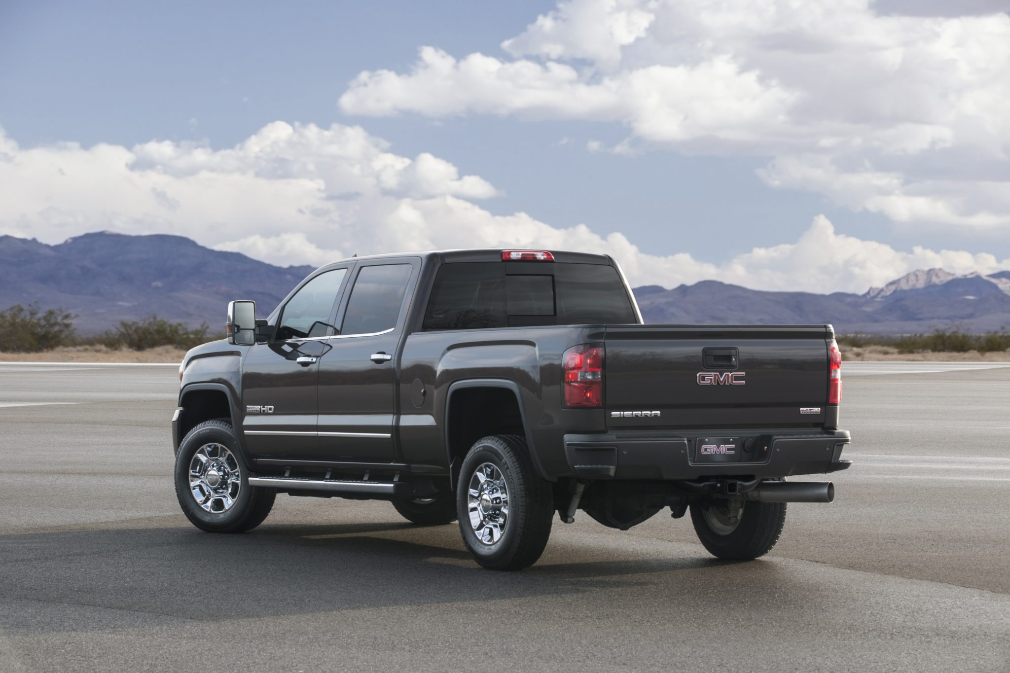 hd all detail and terrain capable sierra us en news pages content media new sep comfortable smart gmc