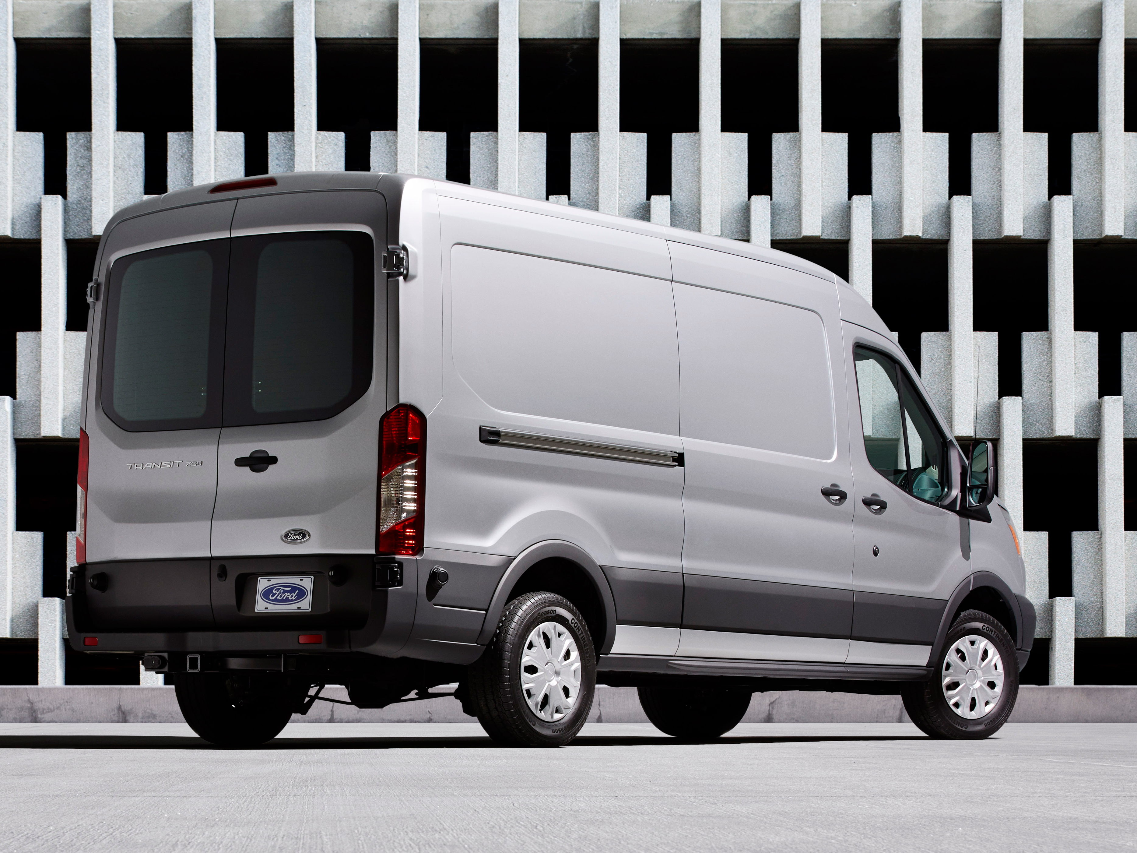 2015 ford transit is best in class in a ton of ways the news wheel. Black Bedroom Furniture Sets. Home Design Ideas