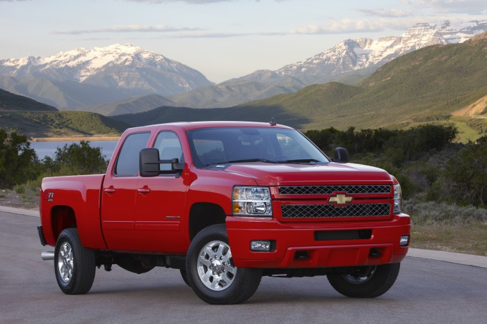Chevy Silverado, Corvette, Suburban Win 2014 IHS Automotive Loyalty Awards