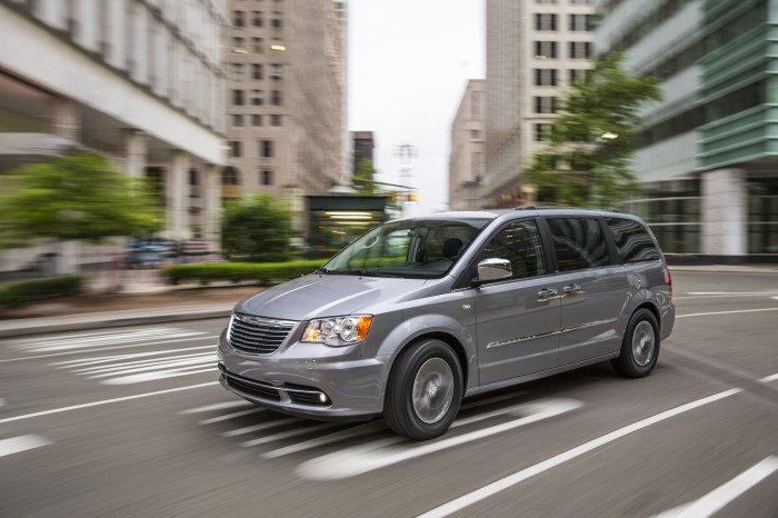 Chrysler Group 2014 Initial Quality Study Winners | 2014 Chrysler Town & Country