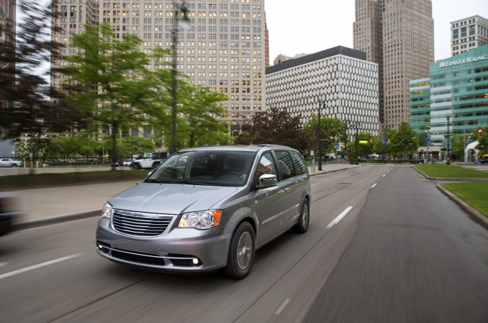Chrysler Town & Country PHEV  | 2014 Chrysler Town & Country