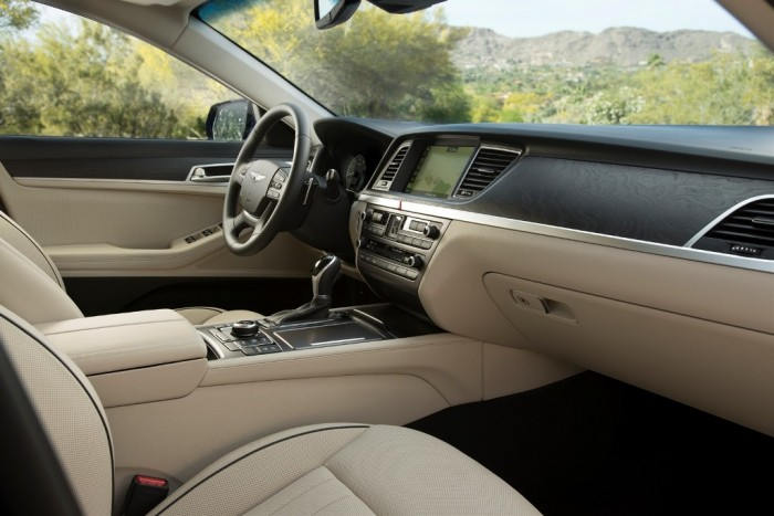 2015 Hyundai Genesis luxury