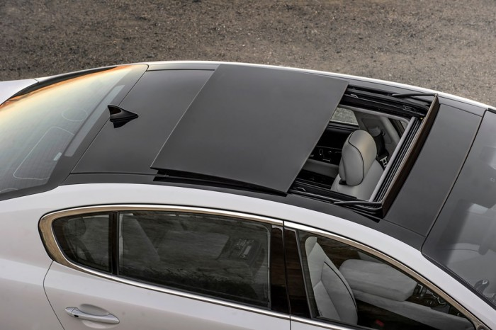 2015 K900 sunroof