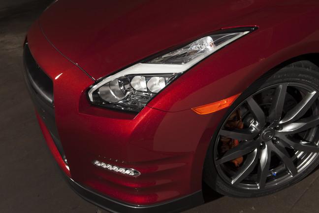 2015 Nissan GT-R colors