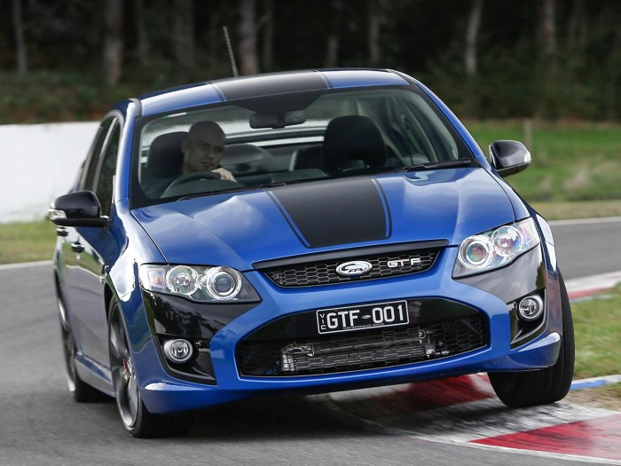 Ford Falcon Gt F 351 Sends Off Falcon Gts With A Bang The News Wheel