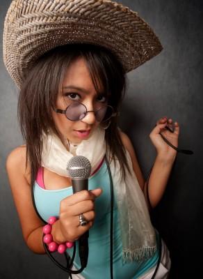 BravoBravo! 2014: Escape the Everyday – A Cultural Experience - singer