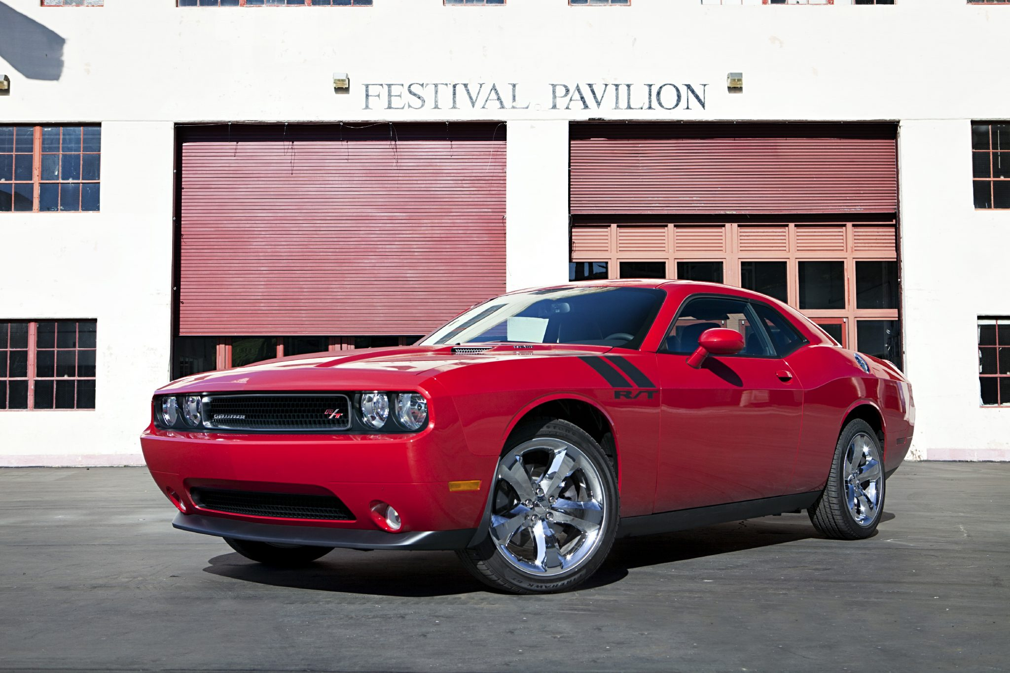 2013 Dodge Challenger Overview