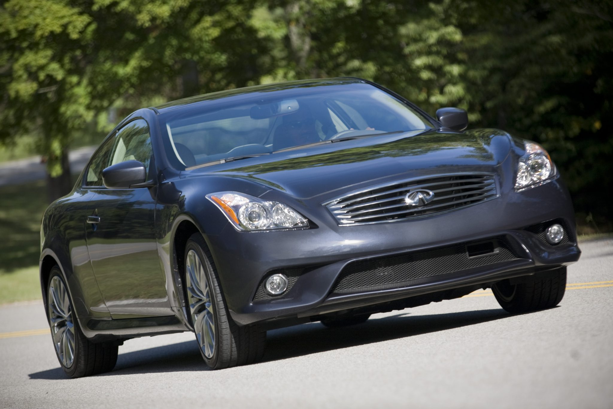 2013 Infiniti G37 Coupe overview