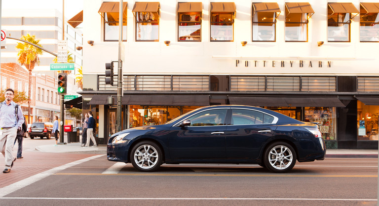 2013 Nissan Maxima Overview