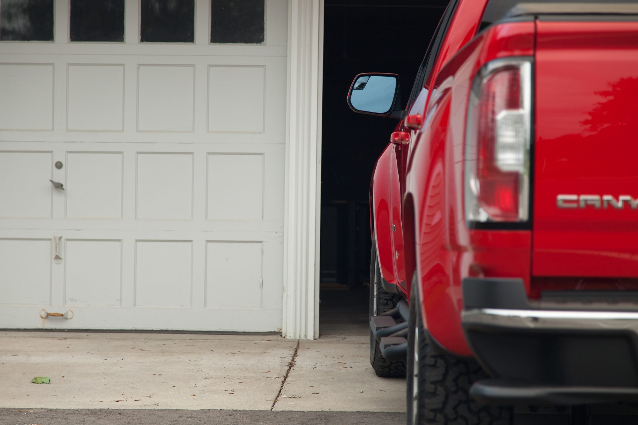 The small size of the 2015 GMC Canyon makes it a more practical choice for many drivers. ©GM