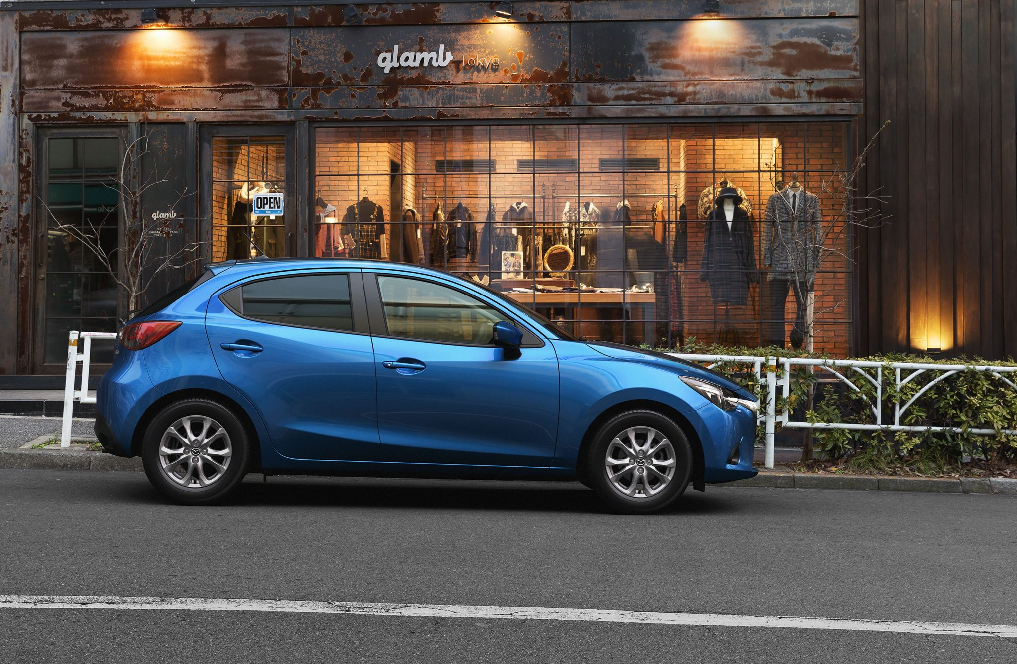 Japan's 2014 Car of the Year award 2016 Mazda2 6