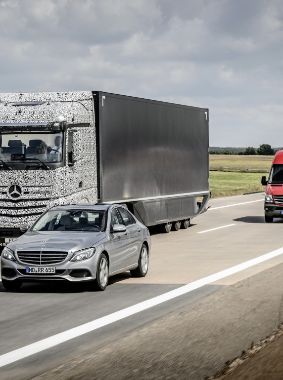 mercedes future truck 2025 previews self driving future of hauling the news wheel. Black Bedroom Furniture Sets. Home Design Ideas