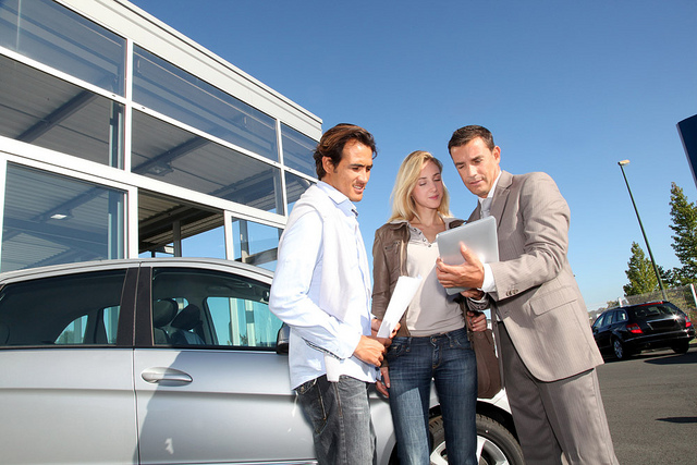 car rental tips Brush up on all these things to do before leaving the rental carl lot.